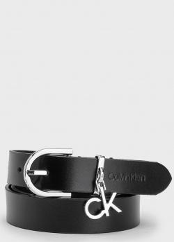 Кожаный ремень Calvin Klein с брендовой подвеской, фото