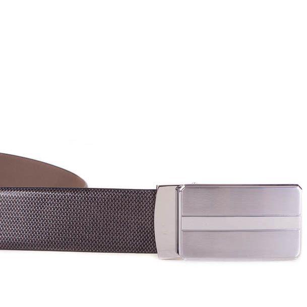 Ремень Eterno темно-коричневый кожаный с рельефной поверхностью и серебристой пряжкой