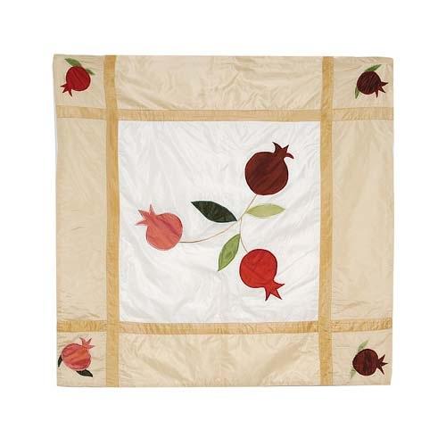Скатерть Emanuel квадратная шелковая кремовая с аппликацией и вышивкой ручной работы, фото