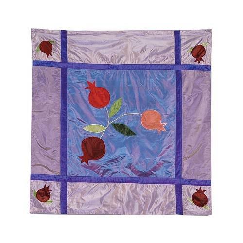 Скатерть Emanuel квадратная шелковая сиреневая с аппликацией и вышивкой ручной работы, фото