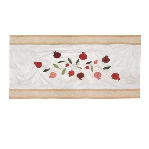 Скатерть Emanuel прямоугольная большая шелковая кремовая с аппликацией и вышивкой ручной работы, фото