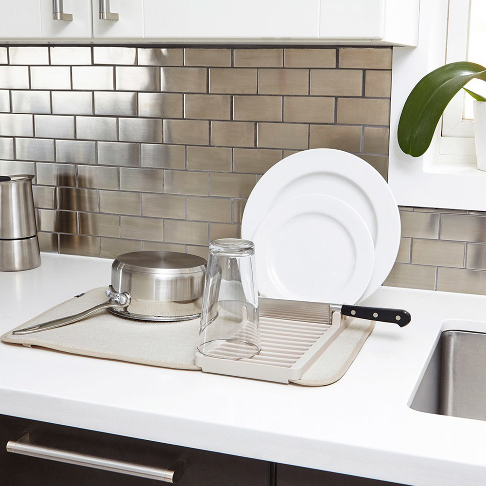 Бежевая сушилка для посуды Umbra Udry Mini