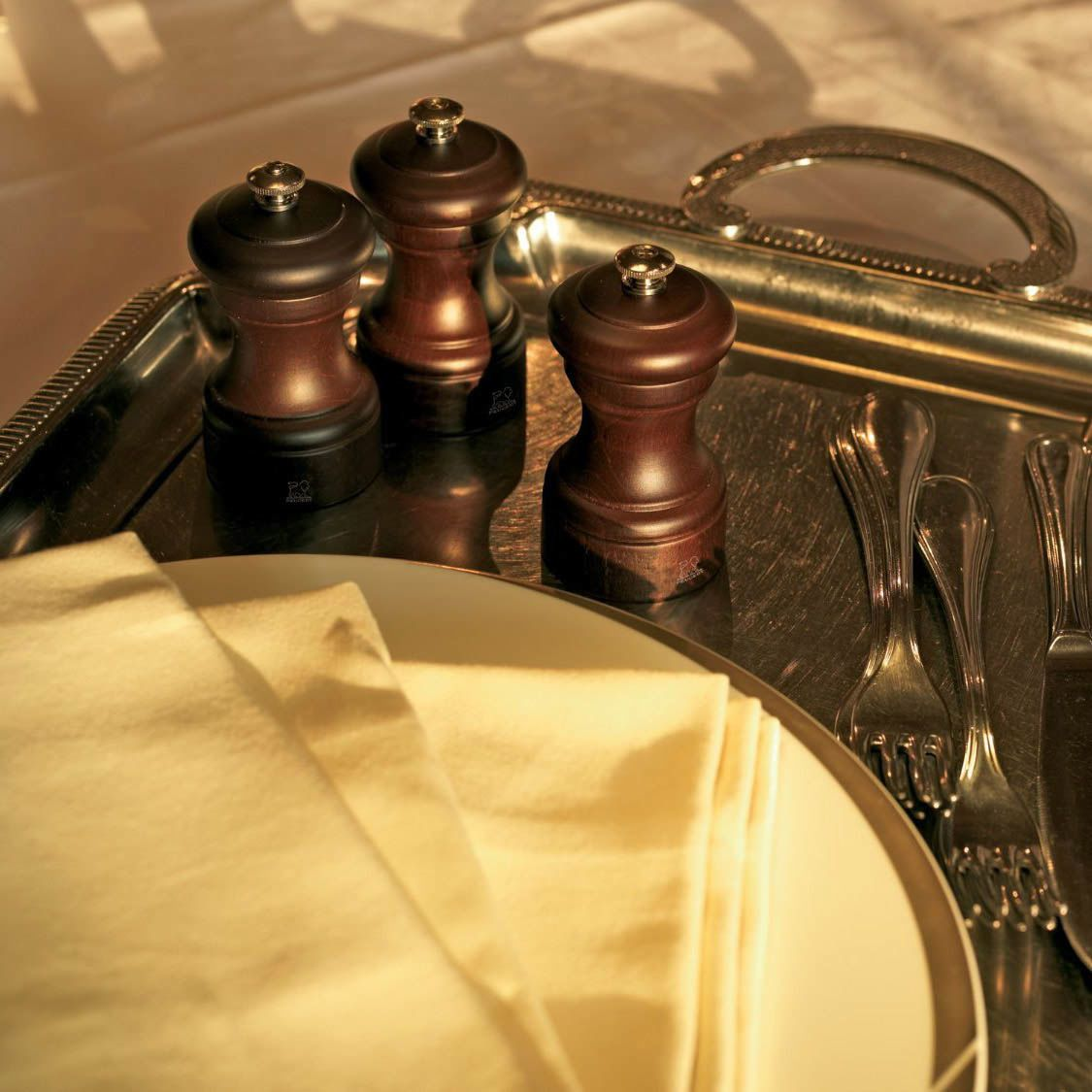 Компактная мельница для перца Peugeot Bistro темно-коричневая