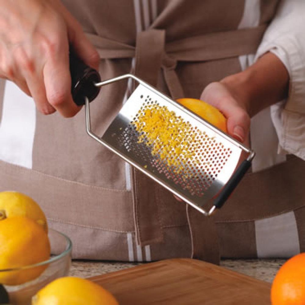 Мелка терка Microplane Gourmet с силиконовой ручкой