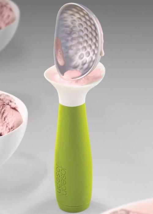 Зеленая ложка для мороженого Joseph Joseph Dimple с защитой