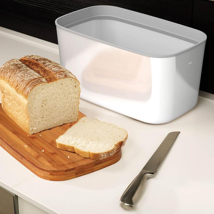 Белая хлебница Joseph Joseph Bread Bin с доской-крышкой