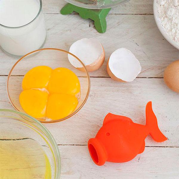 Прибор для отделения желтка  Peleg Design YolkFish