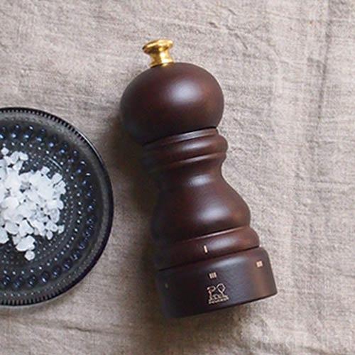 Мельница для соли Peugeot Paris U темно-коричневая из бука 12 см, фото