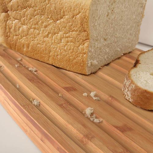 Белая хлебница Joseph Joseph Bread Bin с доской-крышкой, фото
