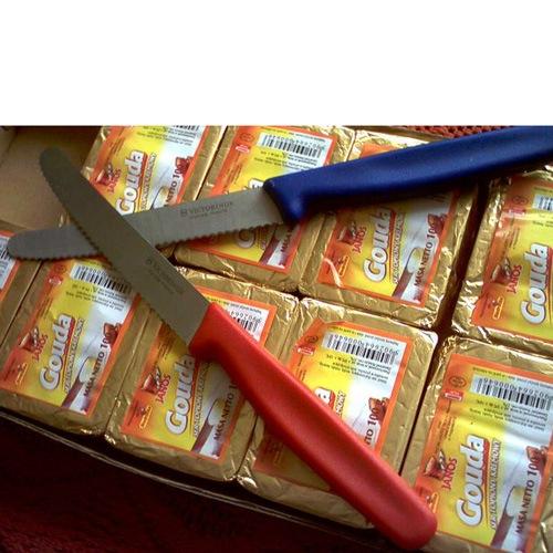 Набор Victorinox из 5 ножей и овощечистки с синими рукоятями, фото