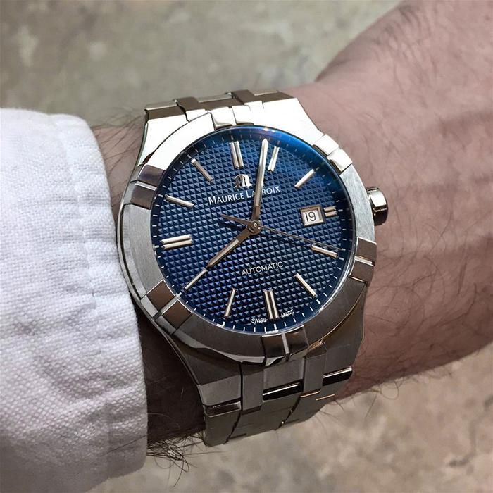 Часы Maurice Lacroix Aikon Automatic AI6008-SS002-430-1