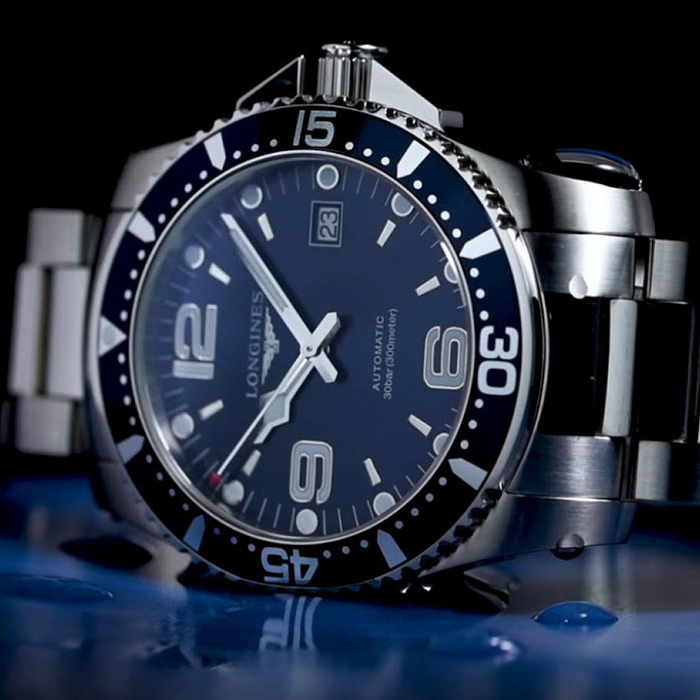 Часы Longines HydroConquest L3.841.4.96.6
