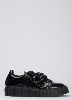Лаковые туфли L'estrosa с крупным декором-цепью, фото