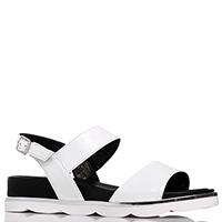 Лаковые сандалии Mot-Cle белого цвета, фото