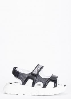 Черные сандалии John Richmond с фирменной надписью, фото