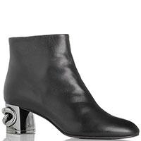 Ботинки Casadei черного цвета с серебристым декором на каблуке, фото