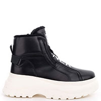 Зимние ботинки Bogner на высокой белой подошве, фото