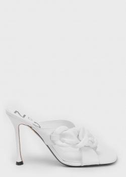 Белые мюли N21 с декором в виде цепочки, фото