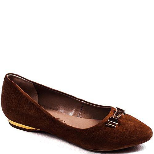 Туфли Modus Vivendi из нубука коричневого цвета с золотистым бантиком на носочке, фото