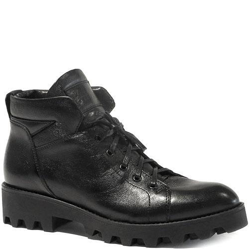 Зимние ботинки Reda Milano из кожи черного цвета на рельефной подошве, фото