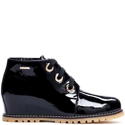 Ботинки из лаковой кожи черного цвета Modus Vivendi на скрытой танкетке, фото