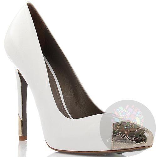 Кожаные туфли Versace Collection белого цвета с золотистым декором, фото