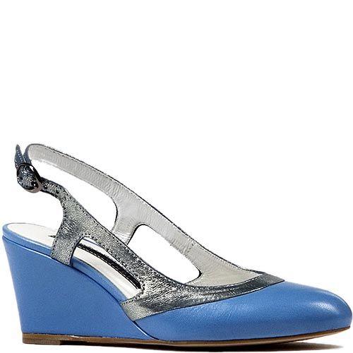 Босоножки Modus Vivendi с закрытым закругленным носком из сочетания серебристой и голубой кожи, фото