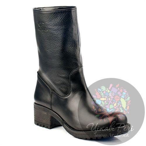 Женские полусапожки GF Ferre из черной кожи на низком каблуке, фото