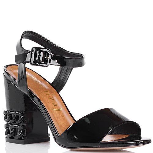 Босоножки Vicenza из лаковой кожи черного цвета с декоративными цепями на каблуке, фото