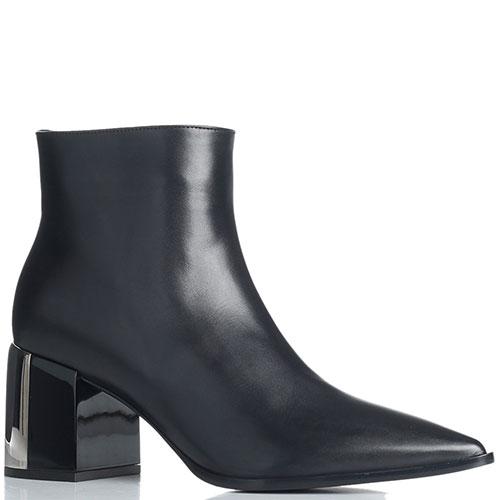 Ботильоны черного цвета Casadei с острым носком, фото