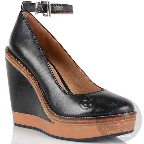 Туфли на танкетке Armani Jeans черные кожаные с ремешком вокруг лодыжки, фото