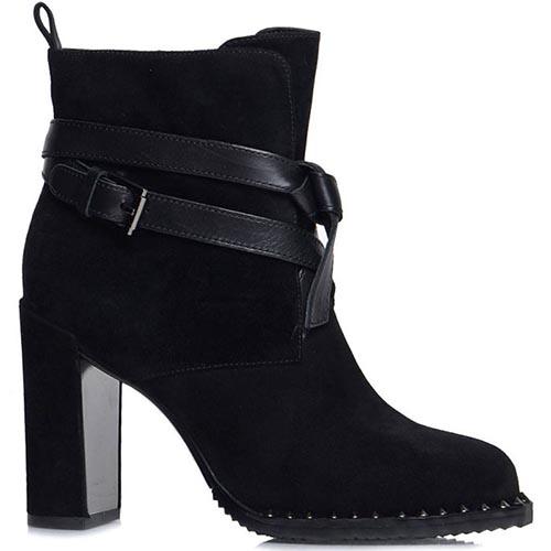 Ботинки Prego из натуральной замши черного цвета с ремешком на высоком каблуке, фото