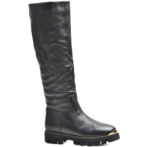 Сапоги Prego зимние черного цвета из кожи с зурчастой подошвой и золотистой вставкой на носочке, фото