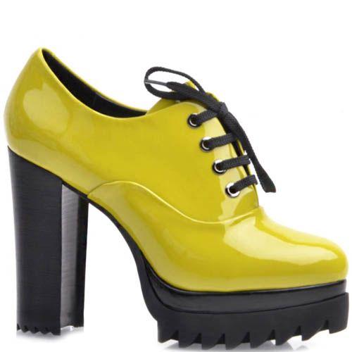 Туфли Prego лаковые со шнуровкой зеленого цвета с танкеткой и высоким каблуком, фото