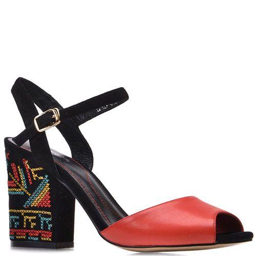 Босоножки Prego из кожи черно-красные с орнаментом на каблуке, фото