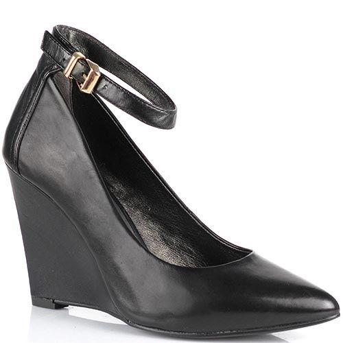 Туфли Cafe Noir классического черного цвета на изящной танкетке с зауженным носком, фото