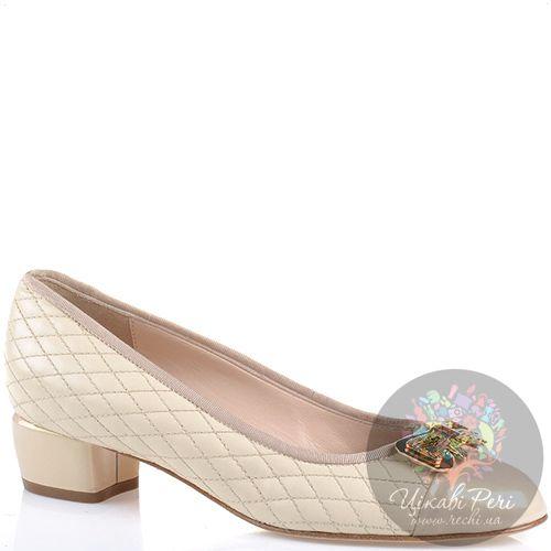 Туфли Essere кожаные стеганые бежевые с лаковым носком и каблуком, фото