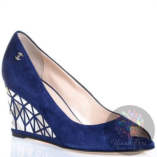 Туфли Essere на танкетке с серебристым декором замшевые темно-синие с открытым носком, фото