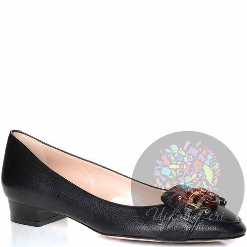 Туфли Giorgio Fabiani на низком каблуке кожаные черные со стильной пряжкой, фото