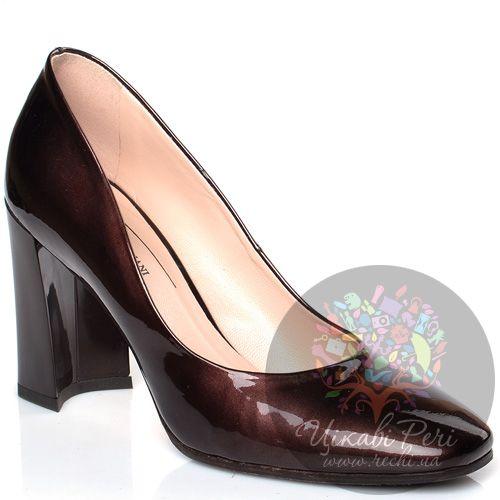 Туфли Giorgio Fabiani коричневые лаковые на модном приталенном каблуке, фото