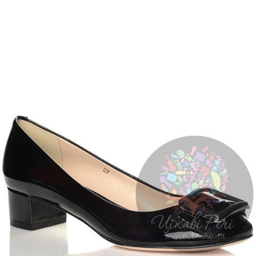 Туфли Laura Mannini кожаные лаковые черные на низком каблуке, фото