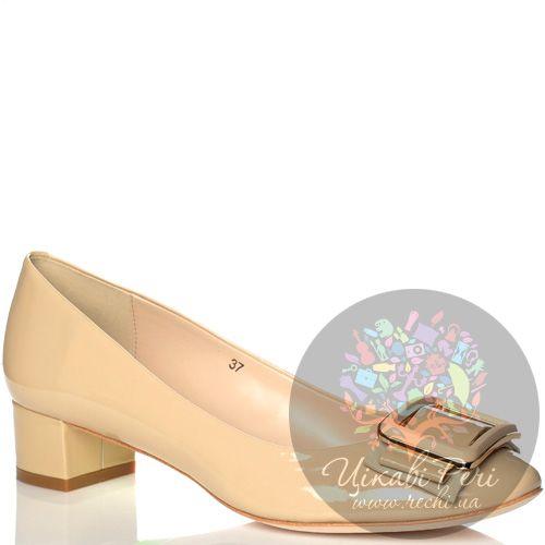 Туфли Laura Mannini кожаные лаковые сливочные на низком каблуке, фото