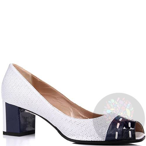 Туфли William Massimi белые с перфорацией и синим каблуком, фото
