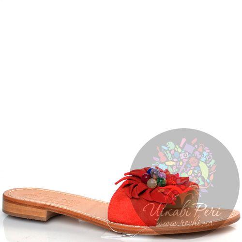 Сланцы Moda Positano Vilma из красной замши с декором в виде цветка, фото