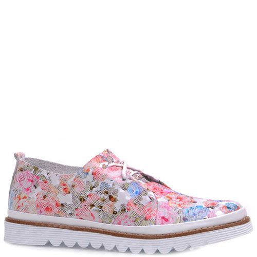 Туфли Prego из кожи с цветочным принтом на белом фоне, фото