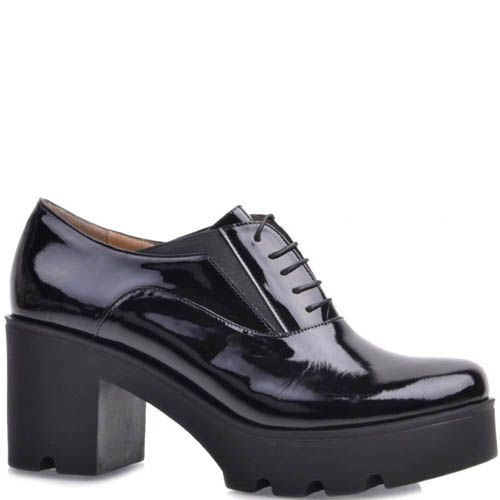 Туфли Prego лаковые на устойчивом каблуке и танкетке черного цвета со шнуровкой, фото