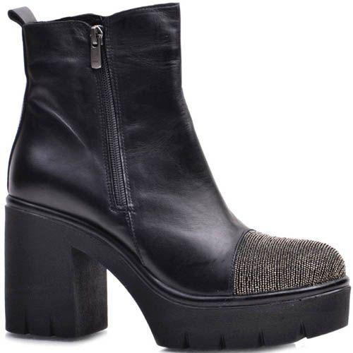 Ботинки Prego кожаные черные с носочком украшеным золотистыми бусинками, фото