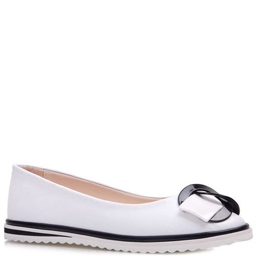 Туфли Prego из кожи белого цвета с декором на носочке, фото