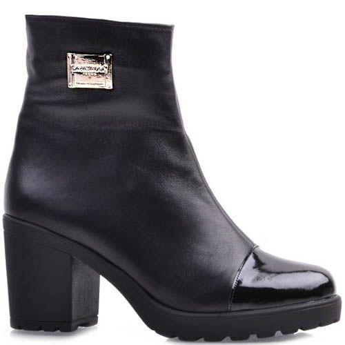 Ботильоны Prego черного цвета с толстым каблуком и лаковым носочком, фото