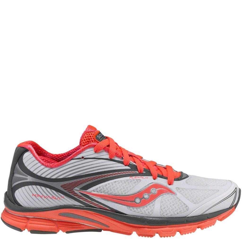 Легкие беговые кроссовки Saucony Kinvara 4 бело-серые с оранжевым бесшовные